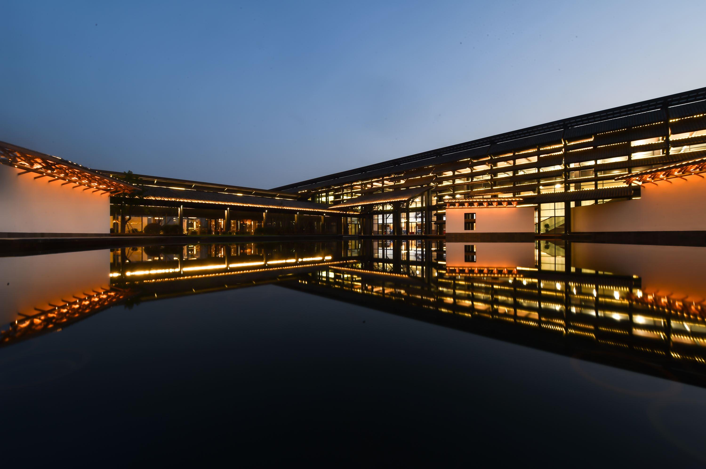 工业和信息化部信息通信管理局赴上海、浙江调研5G与工业互联网融合发展情况