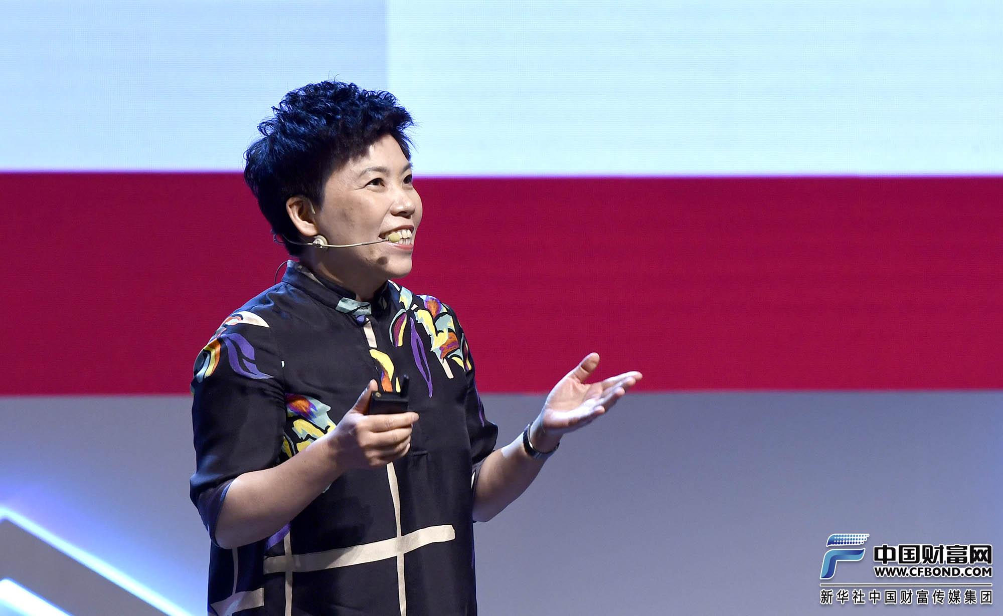 演讲嘉宾:邓亚萍体育产业投资基金发起人邓亚萍