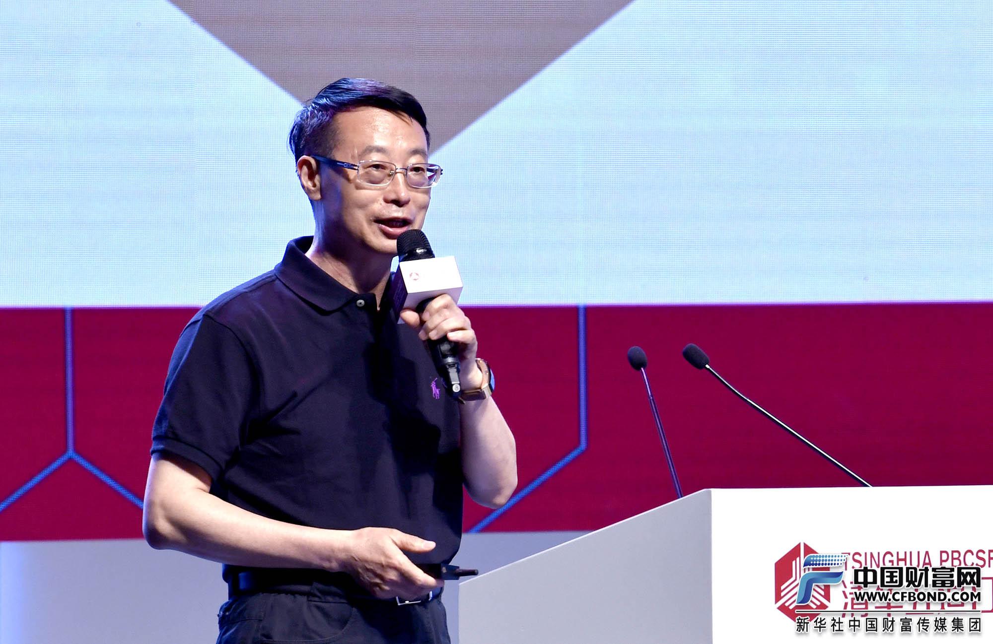 演讲嘉宾:国家体育总局体育经济司司长刘扶民