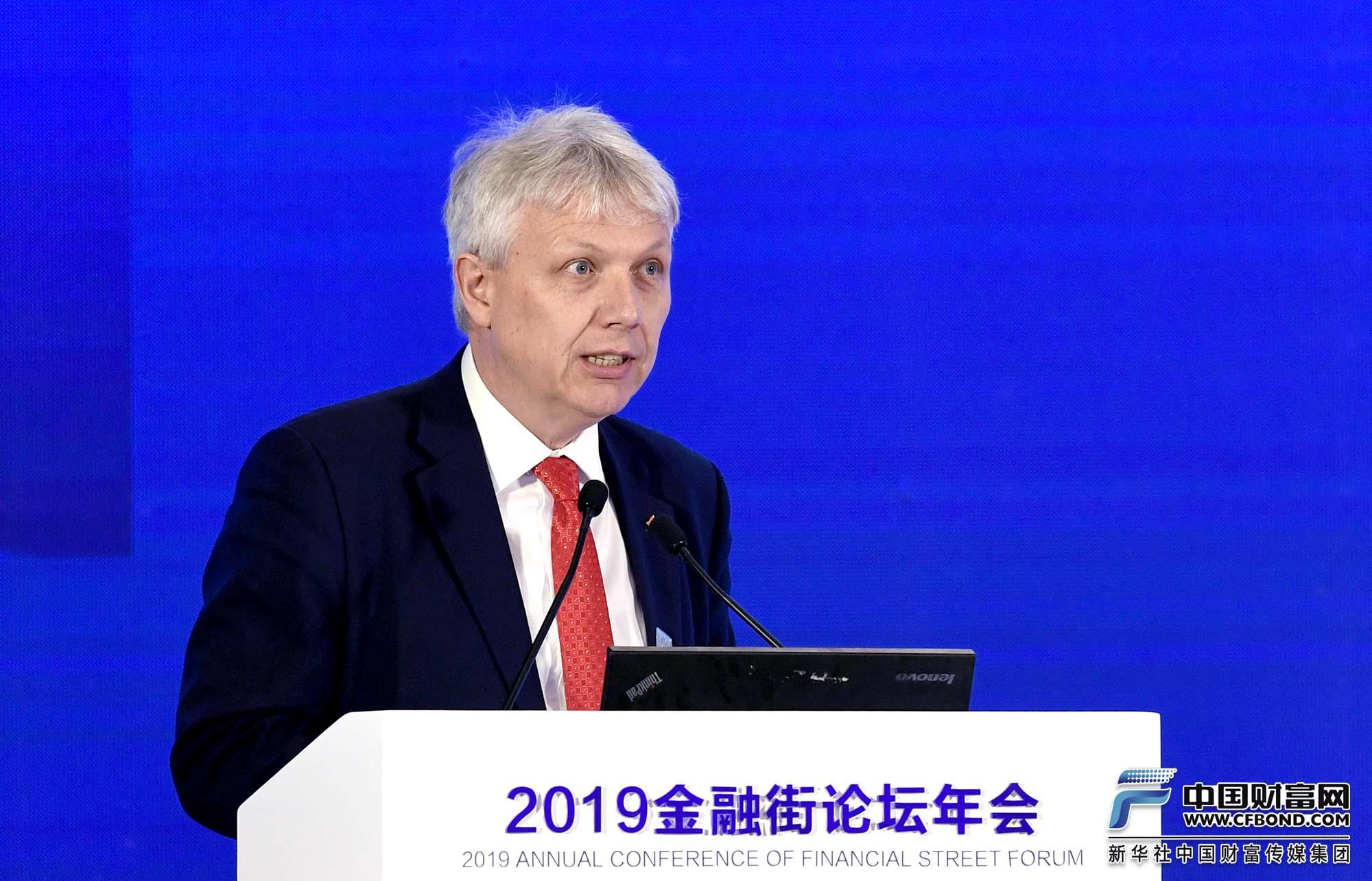 演讲嘉宾:英中贸易协会总裁 Matthew Rous