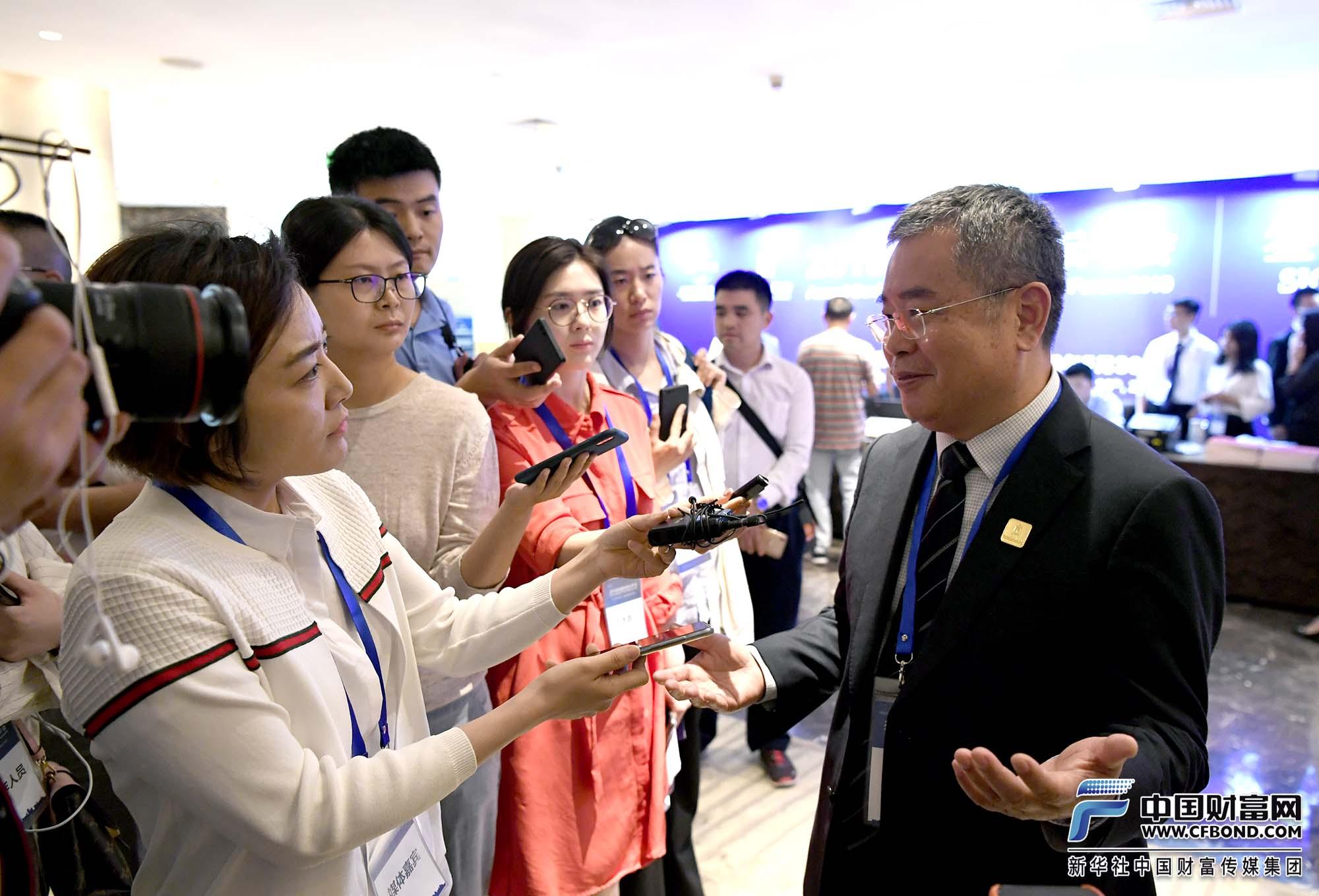 中国财富网记者张静静采访国家金融与发展实验室理事长李扬