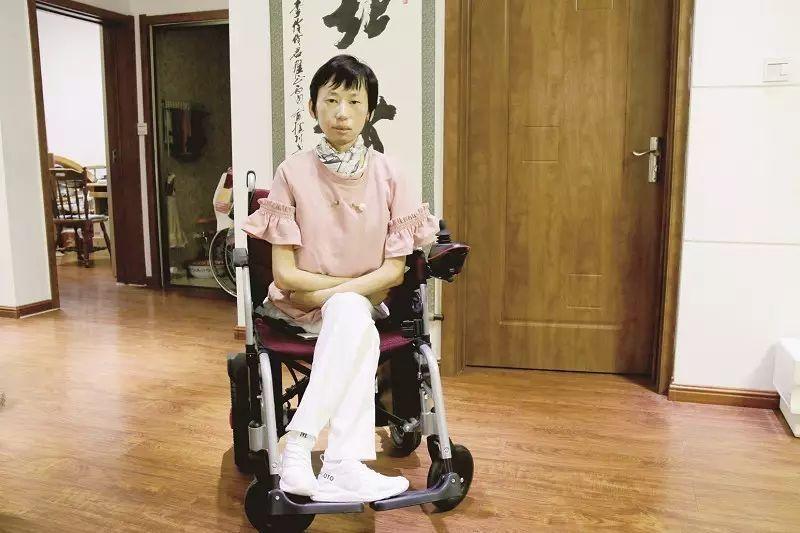 李伶伶作品研讨会在辽宁省葫芦岛举行