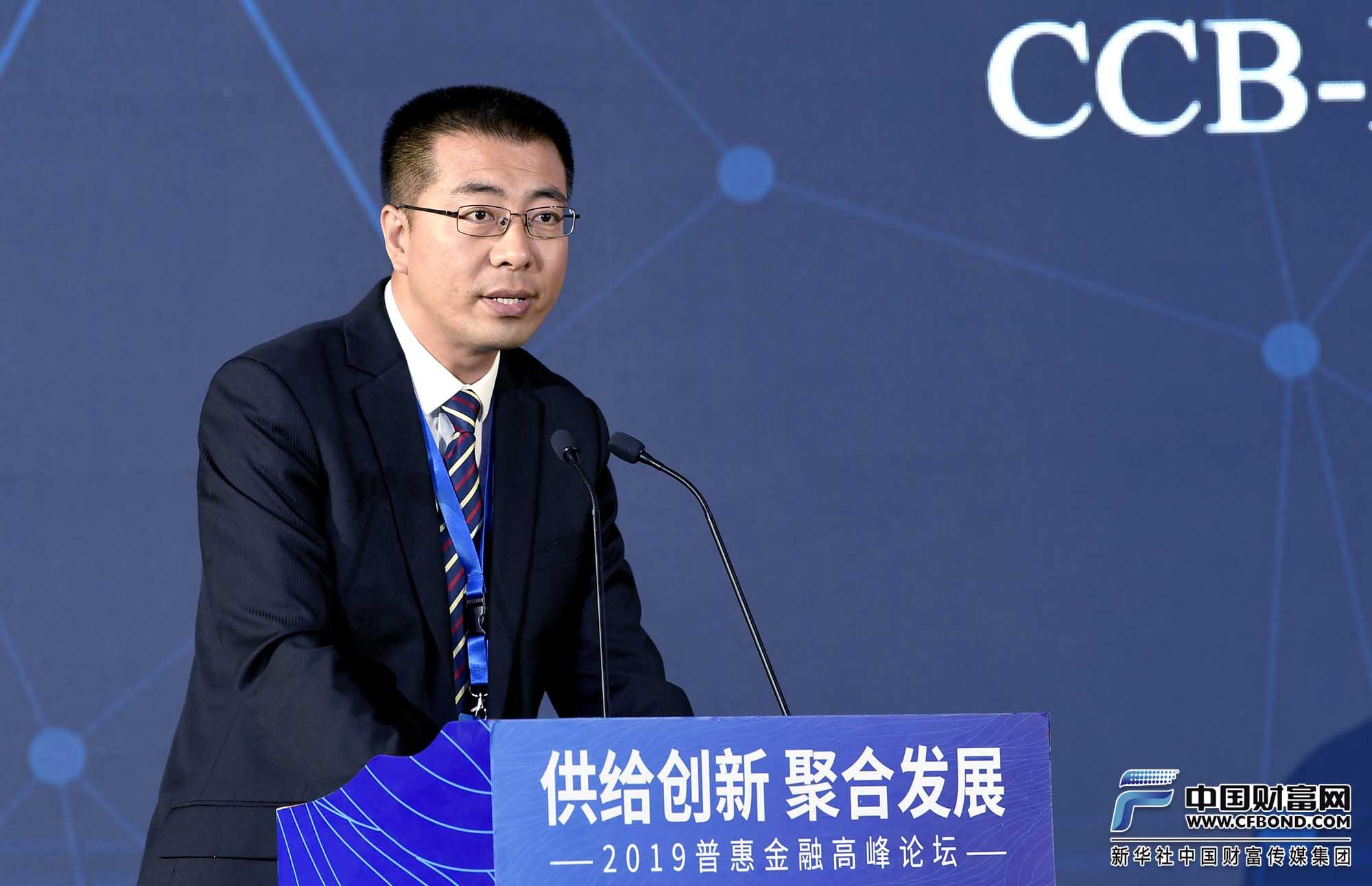 发言人:中国经济信息社新华指数事业部副总经理曹占忠