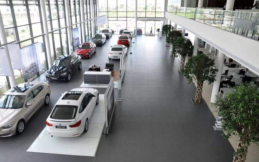 经销商加速去库存 业内预计汽车销量增速有望转正