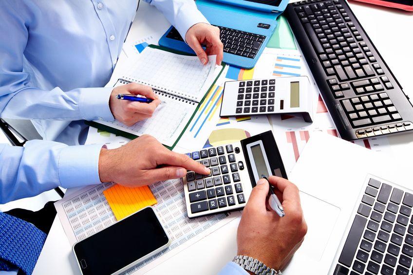 公募基金二季报披露拉开序幕 消费和金融等行业龙头仍受基金经理青睐