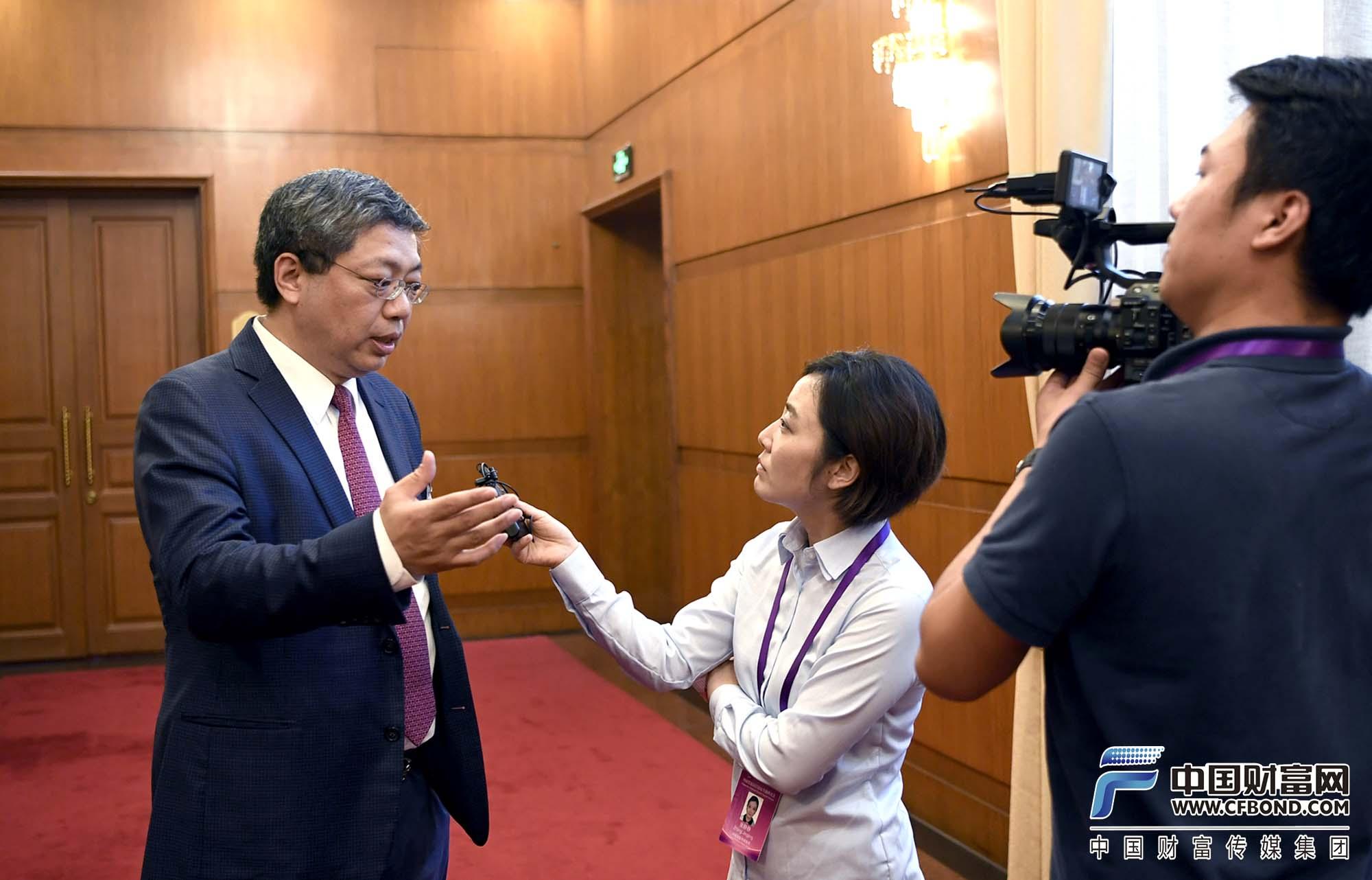 中国财富网记者张静静采访北京大学汇丰金融研究院执行院长,香港交易所董事总经理、首席中国经济学家巴曙松