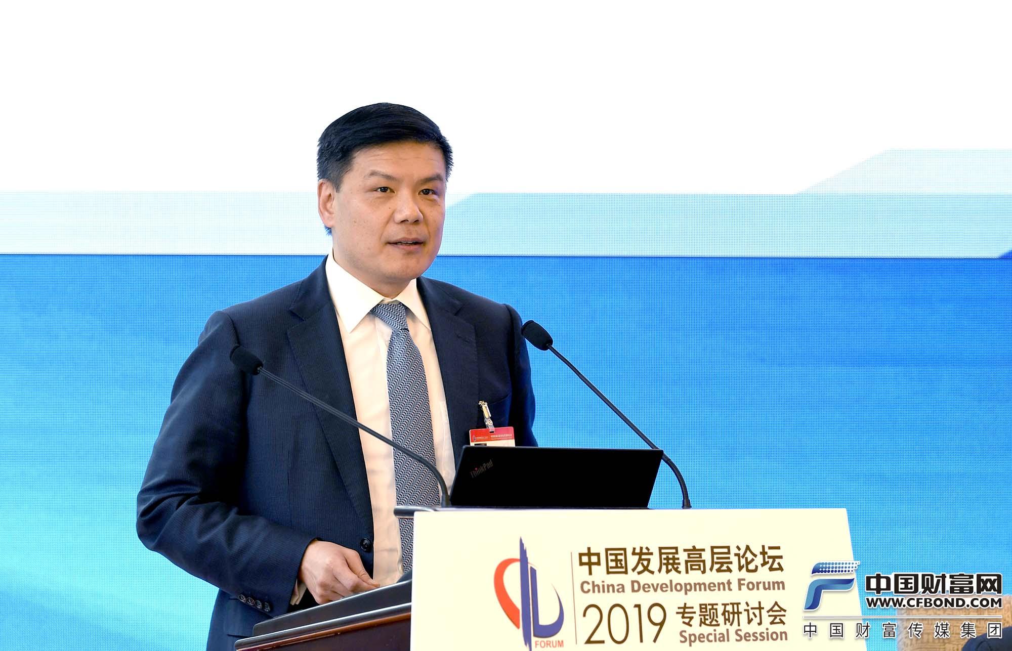 KKR 集团全球合伙人兼大中华区总裁杨文钧发言