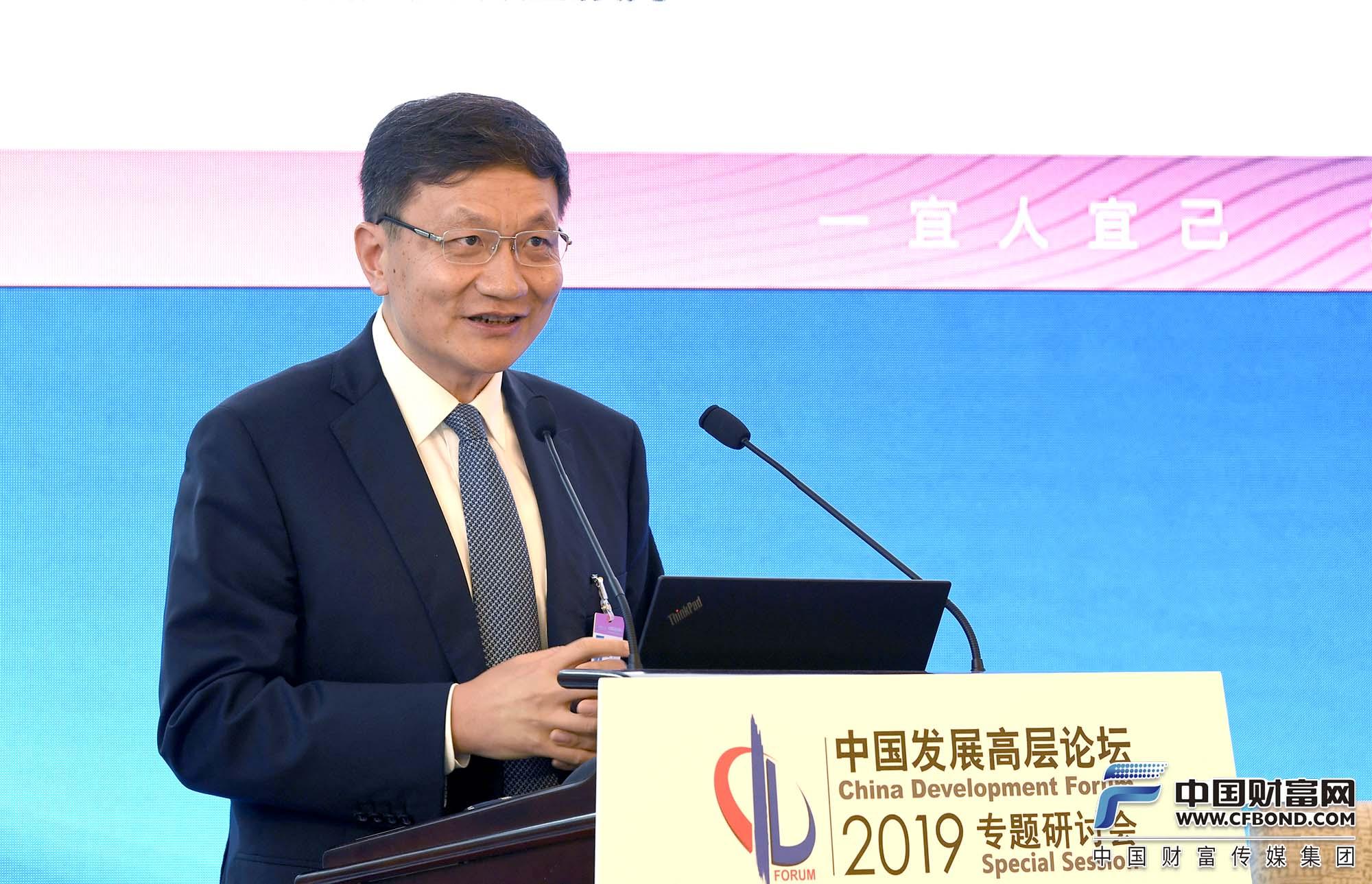 宜信公司创始人、CEO唐宁