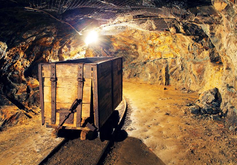 期市開盤鐵礦石漲逾1%