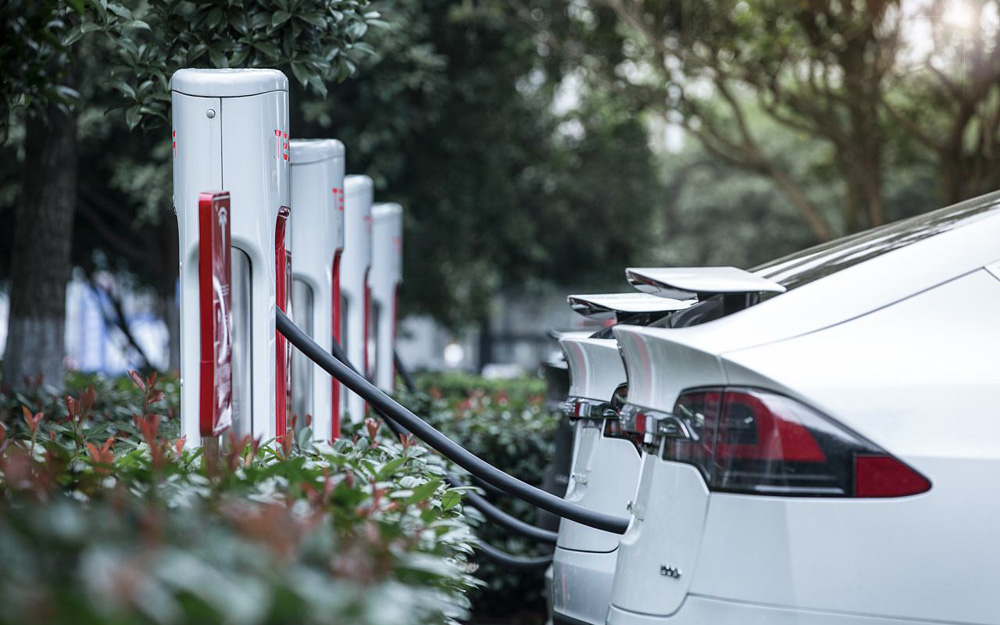 """高速公路充电网基本形成 电动汽车也有了""""远方"""""""