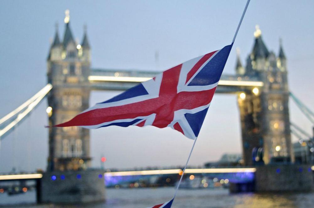 脱欧大戏节外生枝 英国经济再次承压