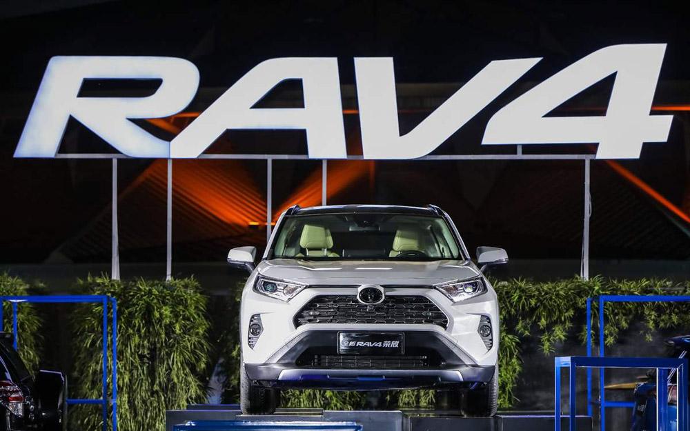 "RAV4""平台越级""搅动中级SUV市场格局"