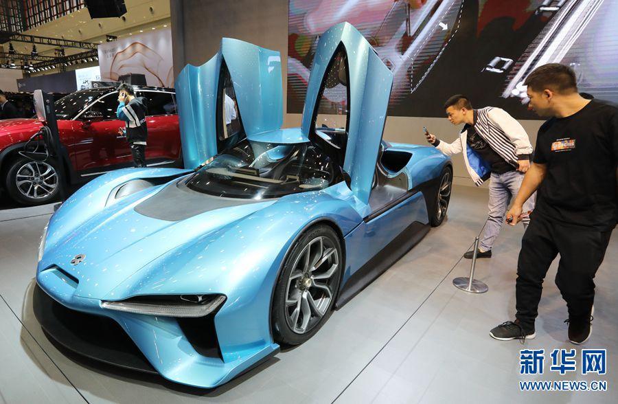 第十二届郑州车展开幕 智能网联汽车受欢迎