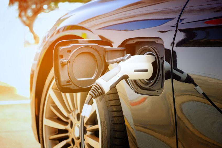 """特斯拉比亚迪连发""""红包"""" 新能源汽车政策利好集中释放"""