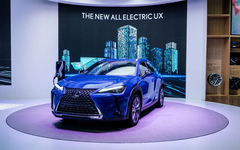 雷克萨斯UX 300e于广州车展全球首发
