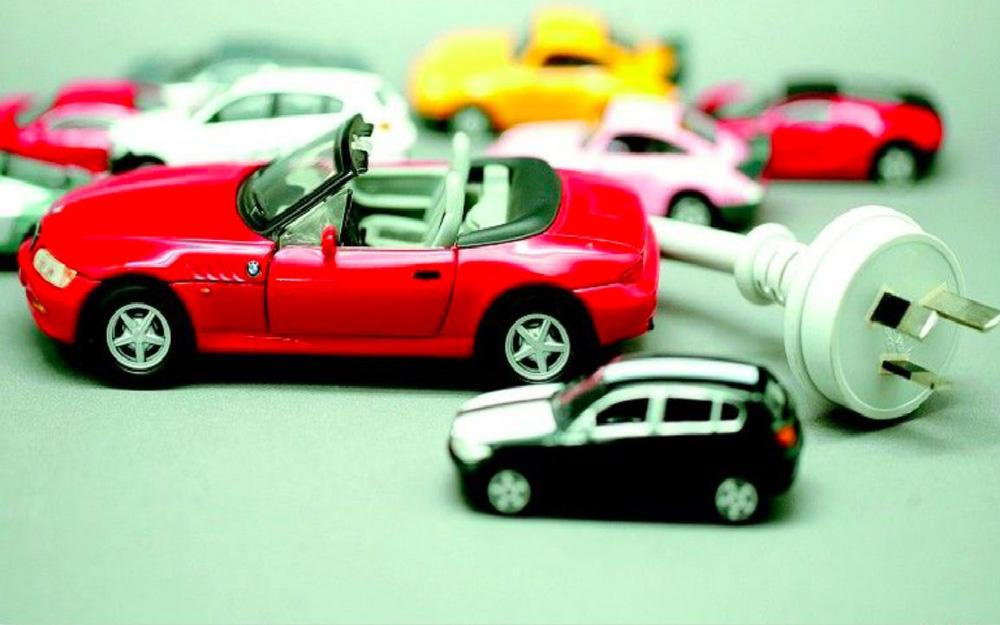 豪华车企频频发力 新能源汽车投资逻辑渐明