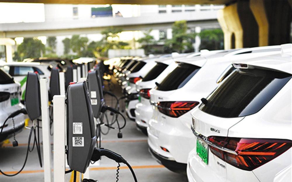 厂家不惜倒贴保价 新能源汽车仍存大量消费需求