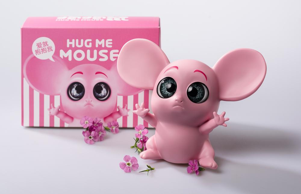 2020年最IN的藝術潮玩《抱抱鼠》開售