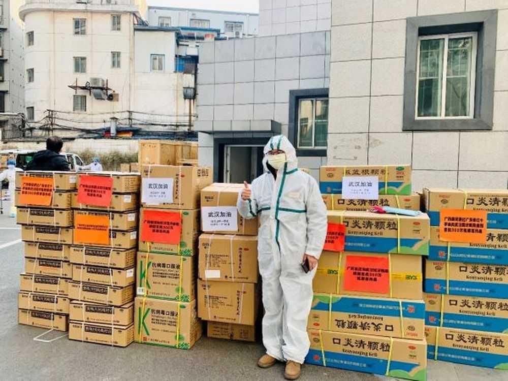 """藥品、食品、醫護產品......新華社民族品牌工程老字號企業""""火力全開""""支援抗疫"""