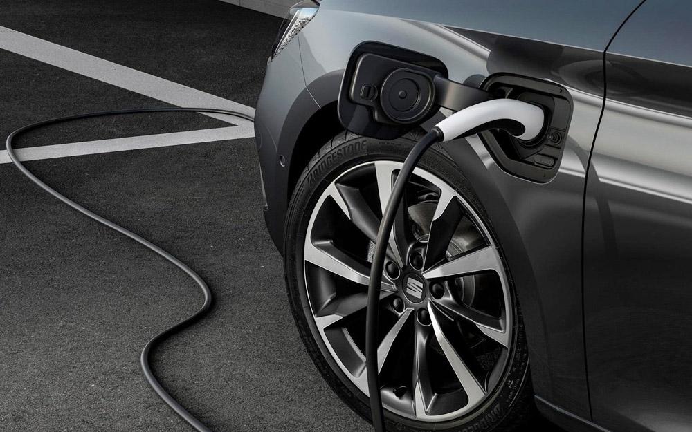 新能源汽车迎利好 跨国车企电气化布局或将提速