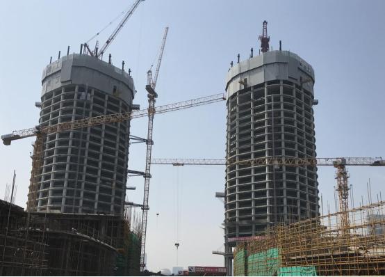 杭萧钢构:顺利完成杭州之门塔楼区十四节外框柱吊装工作