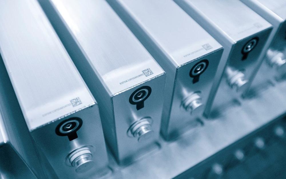 产业链率先复苏 全球动力电池企业加速转场中国