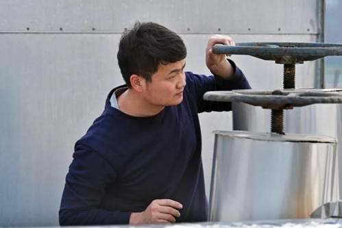 """扬子江药业集团工匠系列十五:郭庆伟——95后的""""厚重""""履历"""