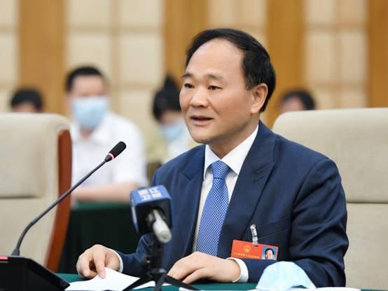 全国人大代表李书福:疫情之后,车企如何持续赢得未来?