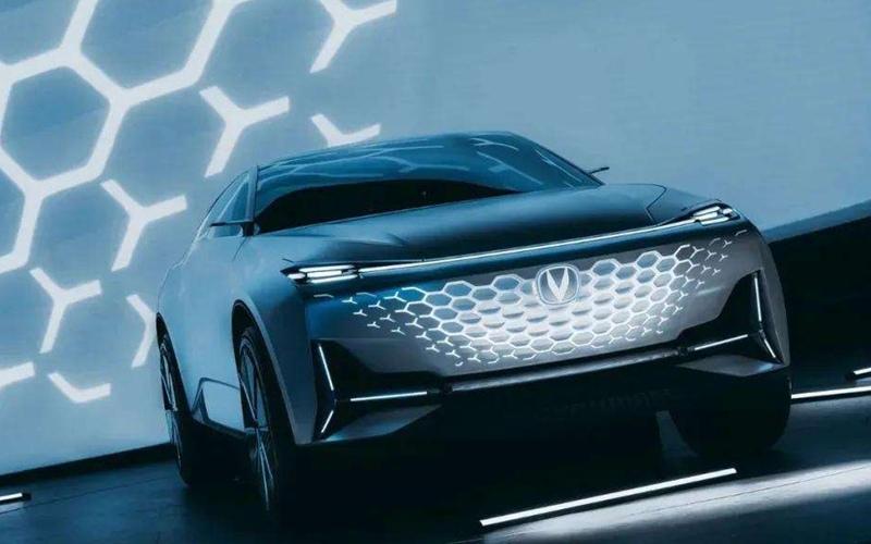 长安UNI序列发布概念车Vision-V 五年推5款车型