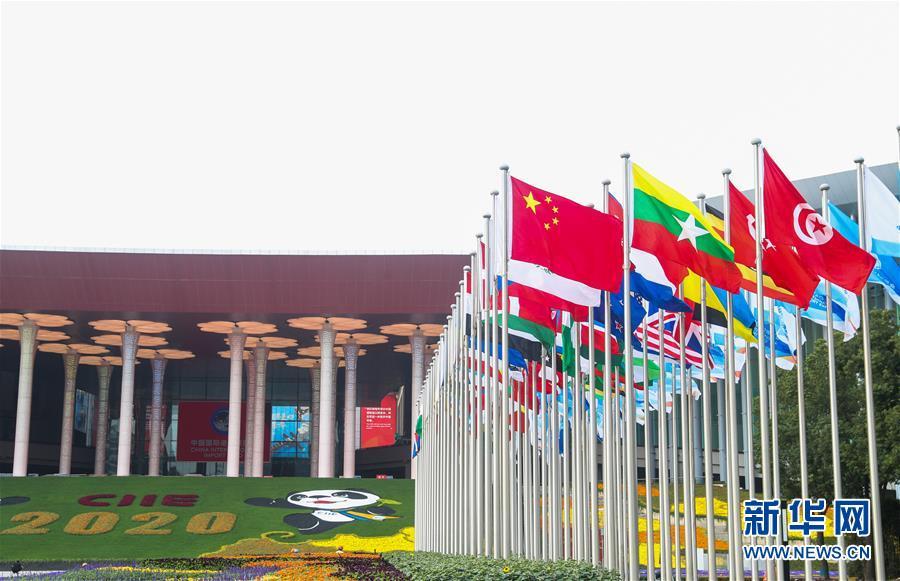 """专访:进博会是哈企业对接中国市场""""不容错过""""的机会——访哈萨克斯坦外贸商会主席叶列诺夫"""