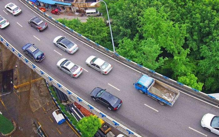 商务部:鼓励相关地区优化汽车限购措施