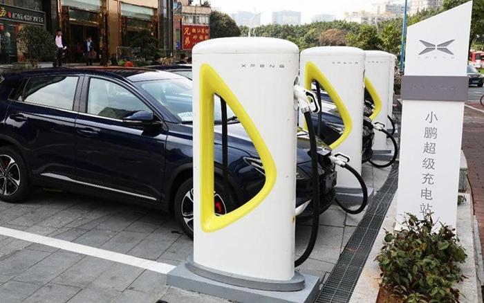 小鹏汽车95天实现100个城市终身免费充电服务