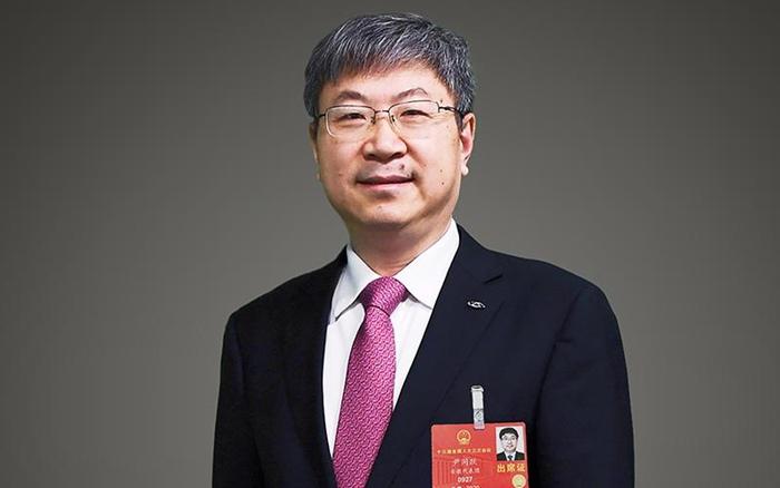 """全国人大代表尹同跃:突破车载芯片""""卡脖子""""技术"""
