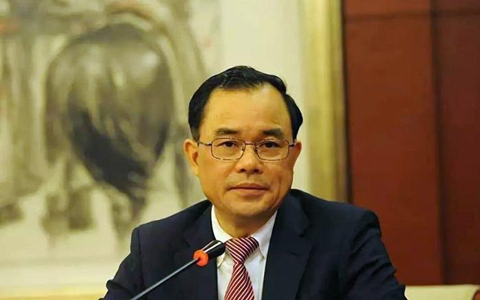 全国人大代表朱华荣带来六大建议 四项与汽车直接相关