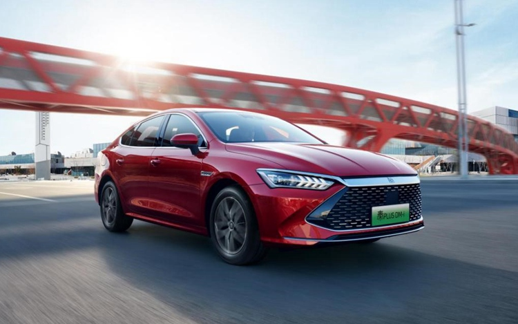 比亚迪5月销量再创新高 新能源汽车增长198.8%