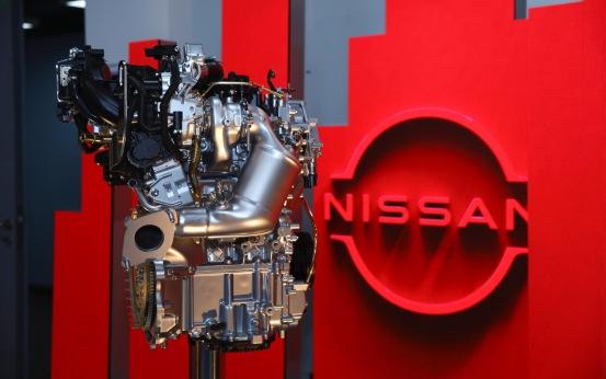 东风日产向上海交通大学捐赠VC-Turbo超变擎发动机