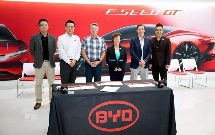 比亚迪携手Levo 将在美国市场部署5000辆纯电动车